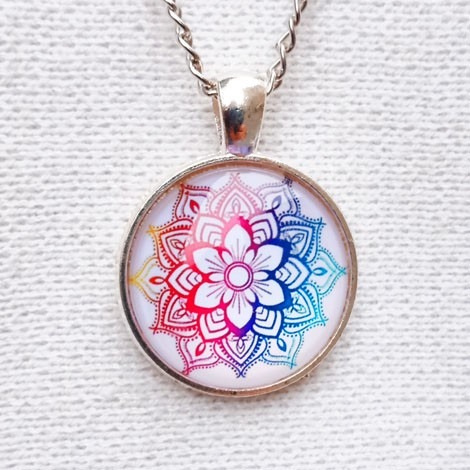 NECKLACE MEDALLION mandala