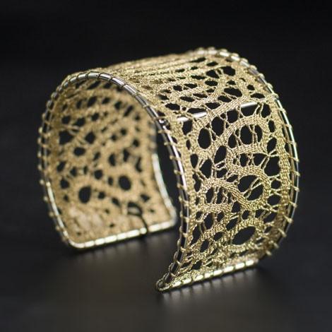 ročno izdelana, darila za rojstni dan,čipka, ročno izdelana zapestnica, klekljana zapestnica, klekljan nakit