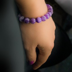stone bracelets, amethyst, helps with insomnia problems