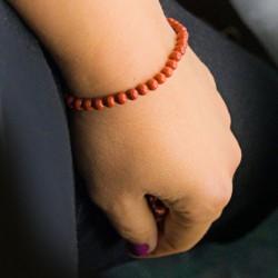 red jasper, crystal bracelet, strengthens our self-preservation instinct