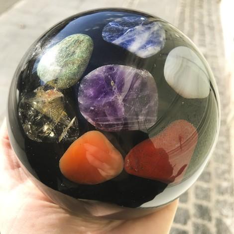 Orgonit, čakra, kristali, sodalit, aventurin, citrin, karneol, ametist, modri kalcedon, rdeči jaspis, čakre, zaščita