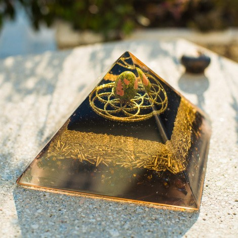 orgonite, energy pyramid