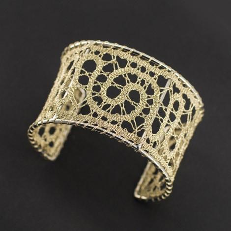 Zapestnica iz klekljane čipke, klekljan nakit, klekljan izdelek, poroka, nakit,