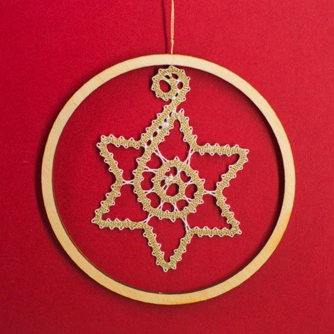 PATTERN FOR NEW YEAR DECORATION FROM LACE