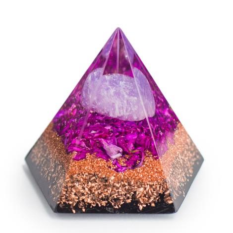 Amethyst crystal, orgonite, pyramid, energeticAmethyst crystal, orgonite, pyramid, energetic