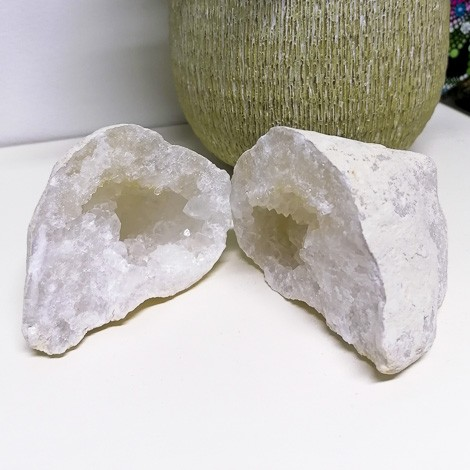 kamena strela geoda par rastišče kristalov