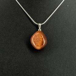 sunstone crystal necklace, healing powers of crystals