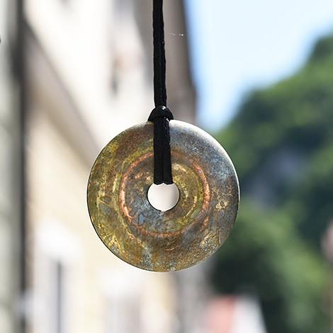 pirit obesek za ogrlico, trgovina s kristali, energijski obesek