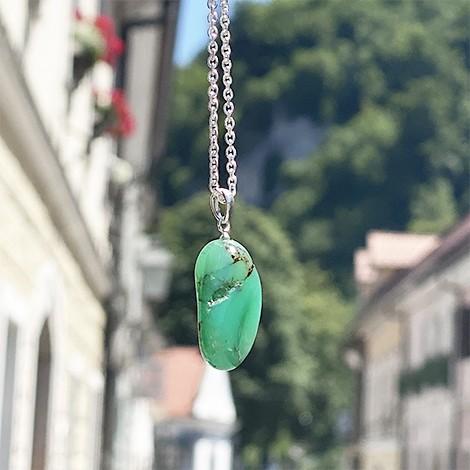 krizopras kristal, energijska ogrlica, trgovina s kristali