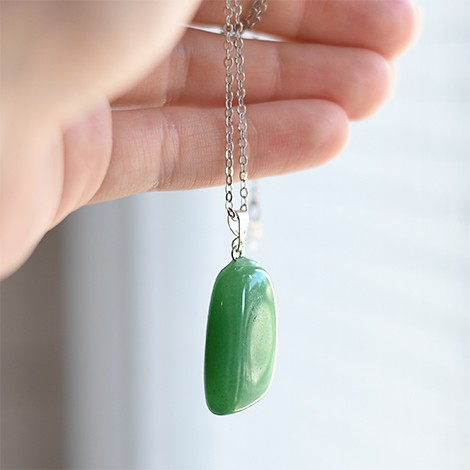 green aventurine, crystal pendant, crystal shop