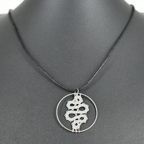 ogrlica iz klekljane čipke, srebrna ogrlica s čipko