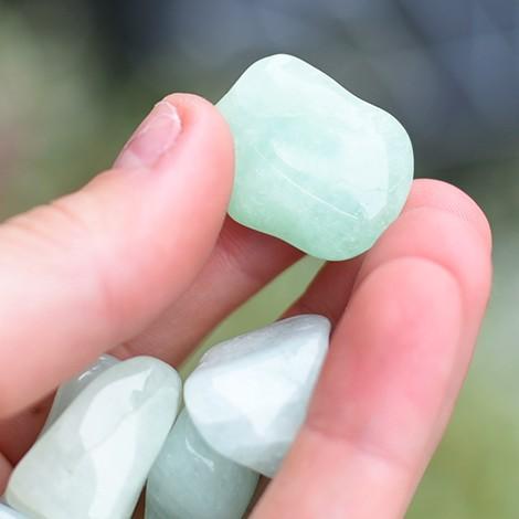 žepni kristal akvamarin, trgovina s kristali, energija kristala, premagovanje brezciljnosti