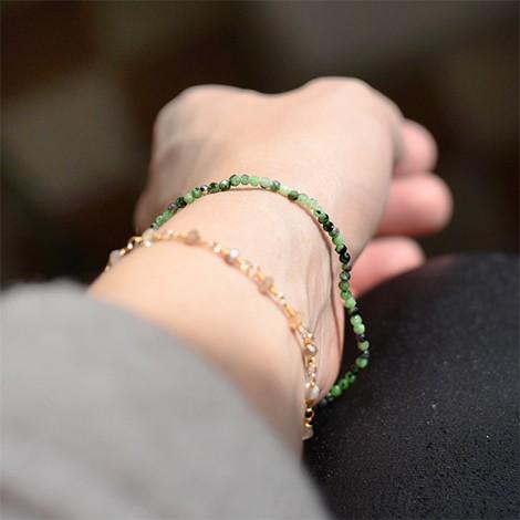 kristal zoisit, energijski nakit, zdravilna moč kristala, trgovina s kristali