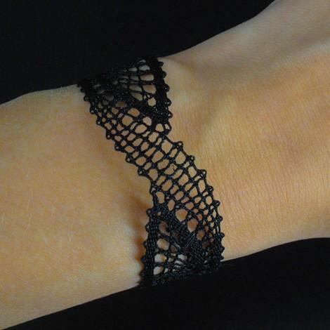 Zapestnica iz klekljane čipke, poročni nakit, klekljana čipka poroka, klekljan nakit, nakit, darilo