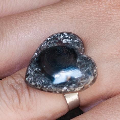 Orgonit, kristal, enegijski nakit, hematit orgonski prstan