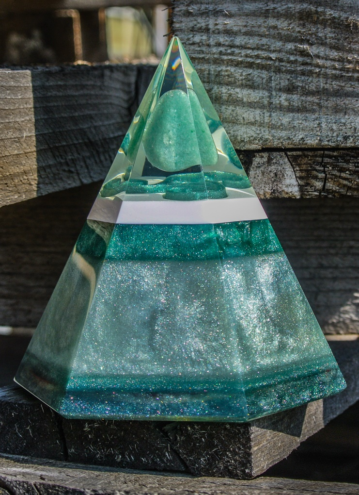 orgonite green aventurine