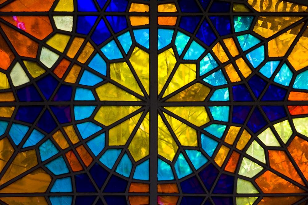 vitraž cerkev