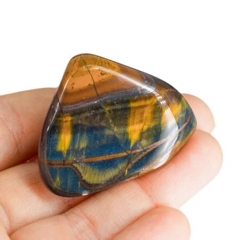 večbarvno tigrovo oko kristal
